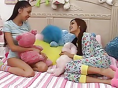 Teenage Girls Plays With not Big Brothers Dick-daddi