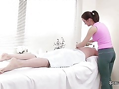 Client Seduce Teenager Masseuse to Bang for Additional Money