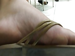 Student feet with red toenails soft soles pies pieds