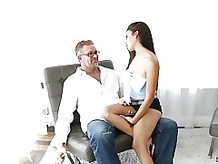 Stepsis Michelle Martinez gets plumbed by two cocks