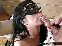 AMATEUR italian cum in mouth sborrata in bocca italiana