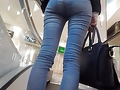 voyeur sexy babe tight denim 2
