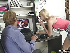 He blasts blonde gf hotwife with his friend