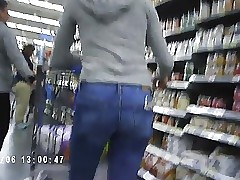 Hot Latina Teen With Great Ass In Walmart