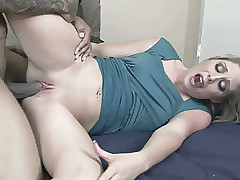 Cute coed Mailia Kelly takes some spear in her young pussy