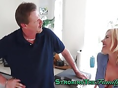 Teenager biotch rides stepdad