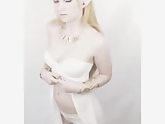 Princess Zelda instagram tease cosplay