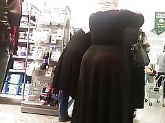 Huge Butt Arab Hijabi Chick