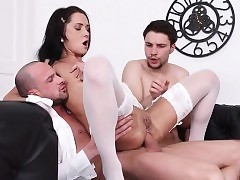 Teenager Courtesan Angie Moon Loves Dual Dicking