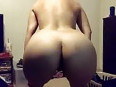 College gf dared to twerk for bfs bestfriend