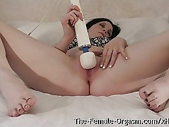 Teen Bates to Climax with Hitachi for the Very first Time