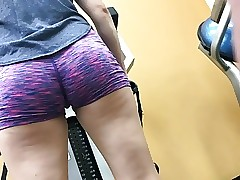 Cute Round College Ass At Golds (HD) 08-30-17