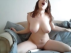 Big boobed woman railing a hitachi + ejaculation