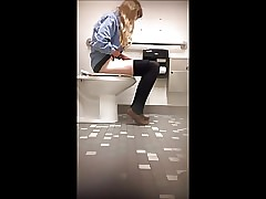 Adorable college teenie bathroom spy webcam (1 of 7)