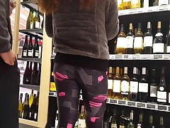 Candid - cutie girl in flashing legging