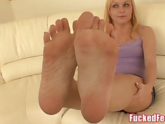 Amateur Teen Heather Gives Very first Footjob for Fucked Feet!