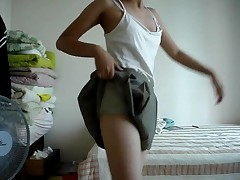 Korea Teen Girl StripDance (Britney Spears - Do Somethin)