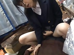Japanese girl boinked in a Store