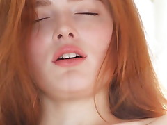 flawless rehead Jia Lissa enjoys an orgasm
