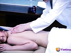 Lesbo Doc Massages a Beauty