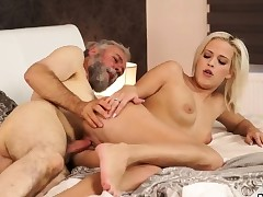 Cuckold daddy Surprise your girlfriend and she will screw with