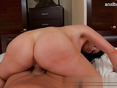 Big donk girl public sex